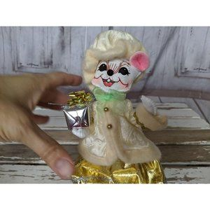 Annalee Holiday - Vintage Annalee Fancy Gold Dress Coat Mouse Holdin